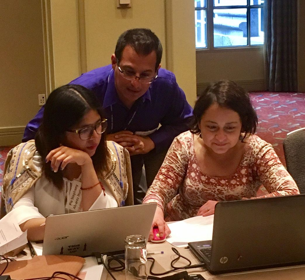 Rene Arrazola (CDC) gives GYTS-related technical assistance to Pia Alvarez and Nora Dias (country representatives from the Chile Ministry of Health).